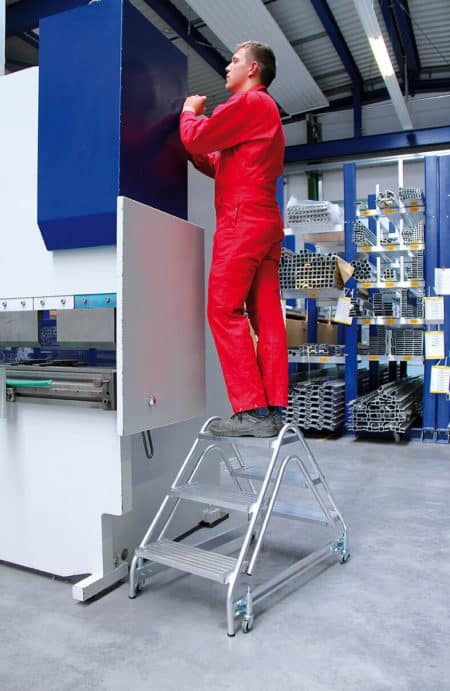 Günzburger Steigtechnik Alu Arbeitspodest beidseitig begehbar | Alu geriffelt