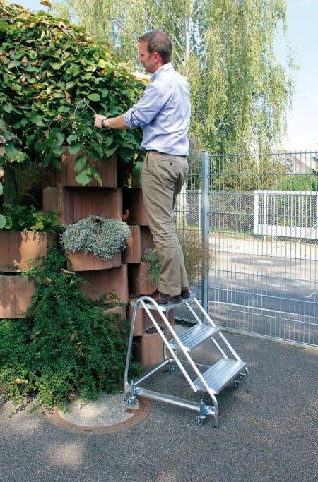 Günzburger Steigtechnik Alu Arbeitspodest einseitig begehbar