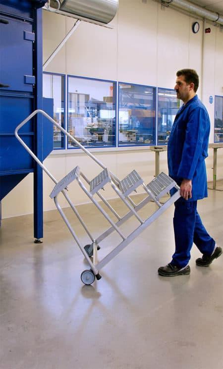 Günzburger Steigtechnik Alu Arbeitspodest fahrbar  Stahl-Gitterrost   Handlauf-2