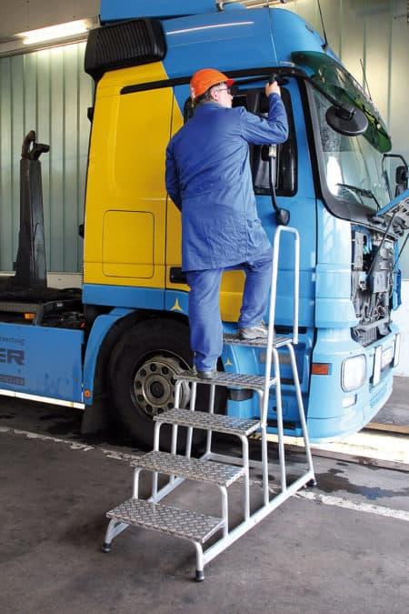 Günzburger Steigtechnik Alu Arbeitspodest starr | mit Handlauf