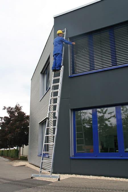 Günzburger Steigtechnik Alu Schiebeleiter 2-teilig mit nivello®-Traverse