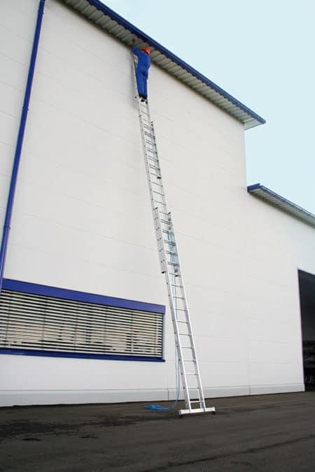 Günzburger Steigtechnik Alu Seilzugleiter 3-teilig nivello®-Traverse