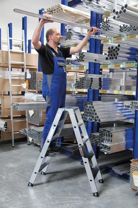 Günzburger Steigtechnik Alu Stehleiter 250kg beidseitig begehbar mit clip-step R13