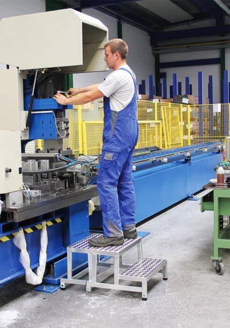 Günzburger Steigtechnik Modulares Arbeitspodest