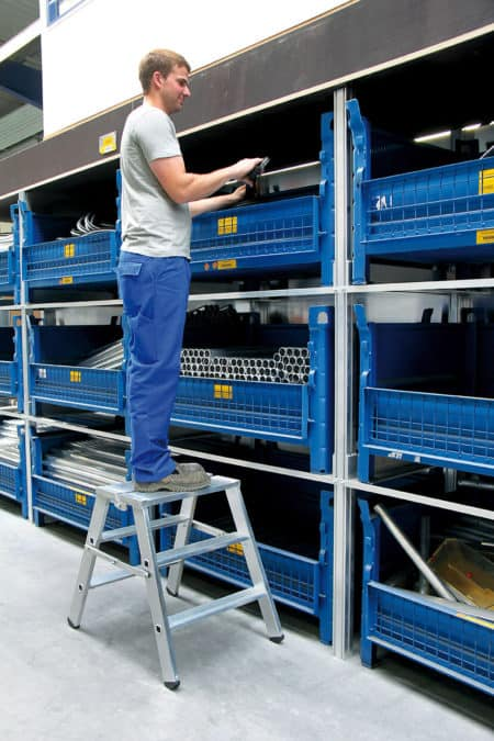 Günzburger Steigtechnik Stufen-Stehpodest beidseitig begehbar | klappbar-1
